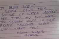 dronken man schrijft briefje