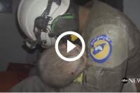 syrische reddingswerker in tranen